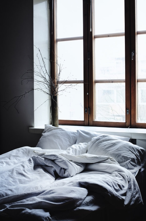messy-bed-via-marinagiller.com