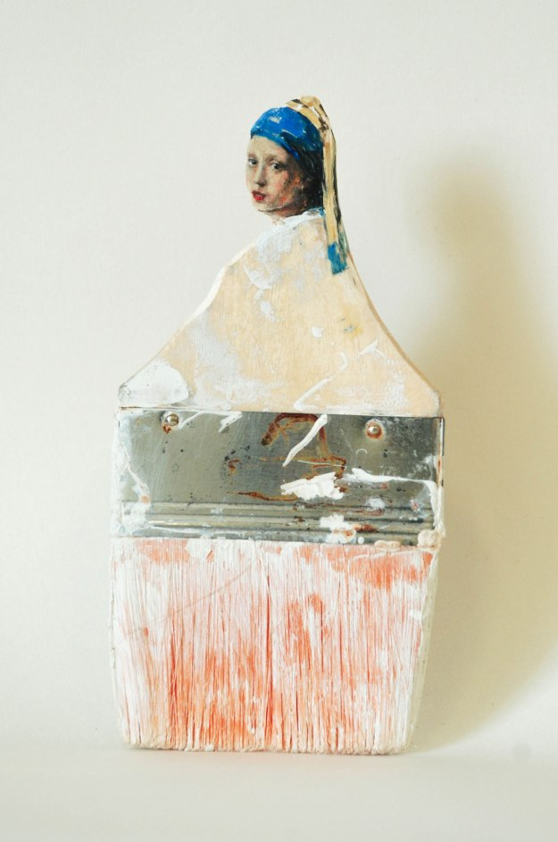 Old-Paintbrush-Handles-Sculpted-Into-Heads-of-Women-by-Rebecca-Szeto-Yellowtrace-08
